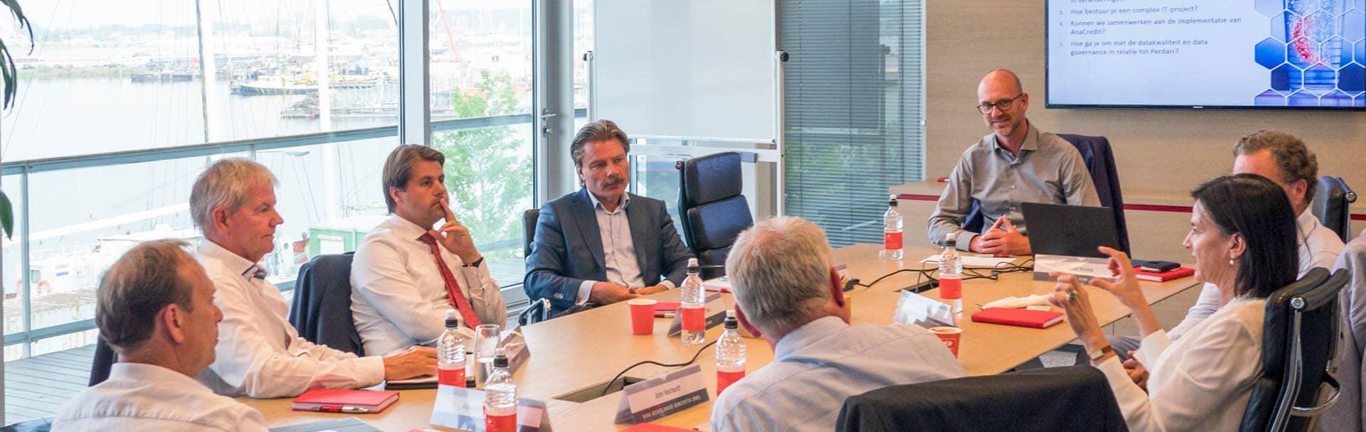 Round table banking - van toezicht naar inzicht - Hot ITem